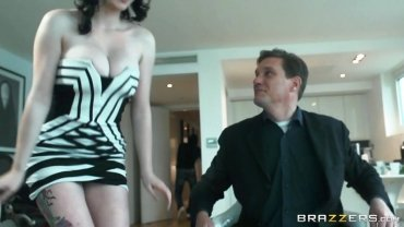 Brazzers - Fucking Upon Fucking Robber All The Rage Her Husbands Co-op - Physical Wife Stories