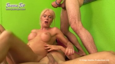 Joanna Jet Picking Up Guys
