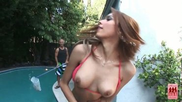 [shemalepornstar.com] Nelly And Fucking Poolboy! (12.04.2013)